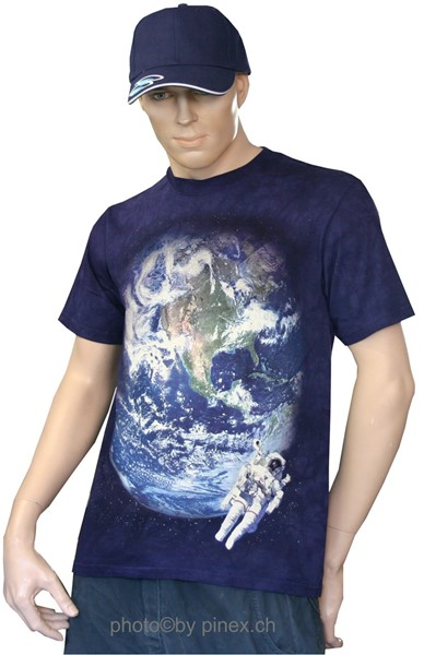 Picture of Astronaut im Weltall T-Shirt