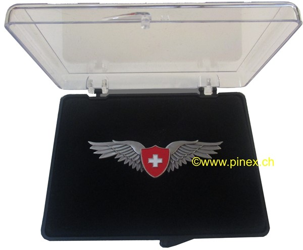 Bild von Pilot Wings Switzerland Pin gross
